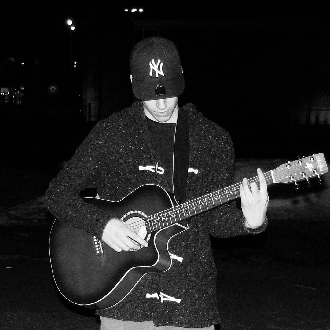 #guitar  more than a #passion  its a #lifestyle #folk #folkmusic #accoustic #classic #picoftheday by zachsenay91 https://www.instagram.com/p/BBRZSfdMFKB/ #jonnyexistence #music