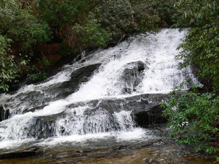 25 stunning waterfalls in SC.