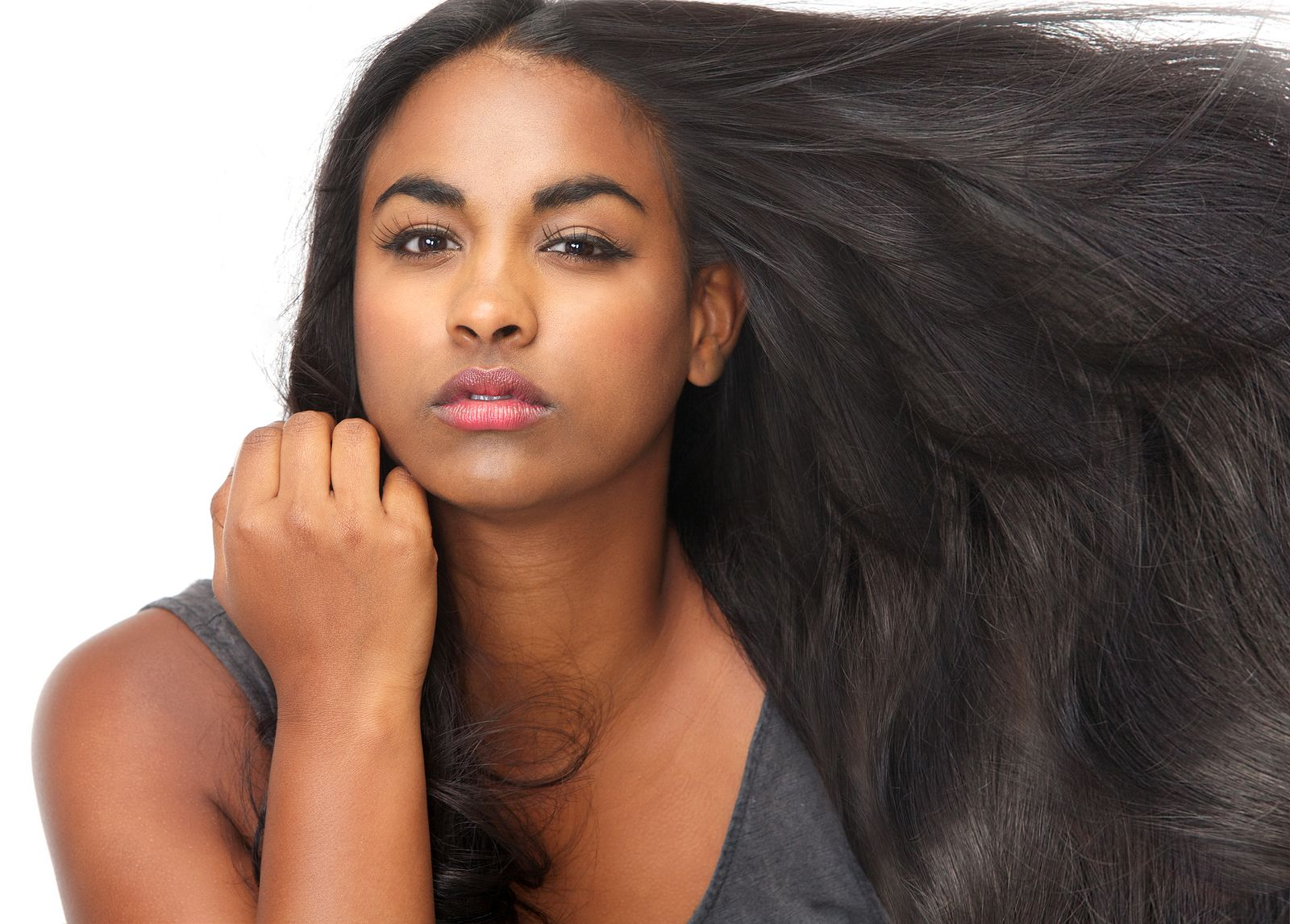 hair bonding: are there advantages for wearing hair bonding