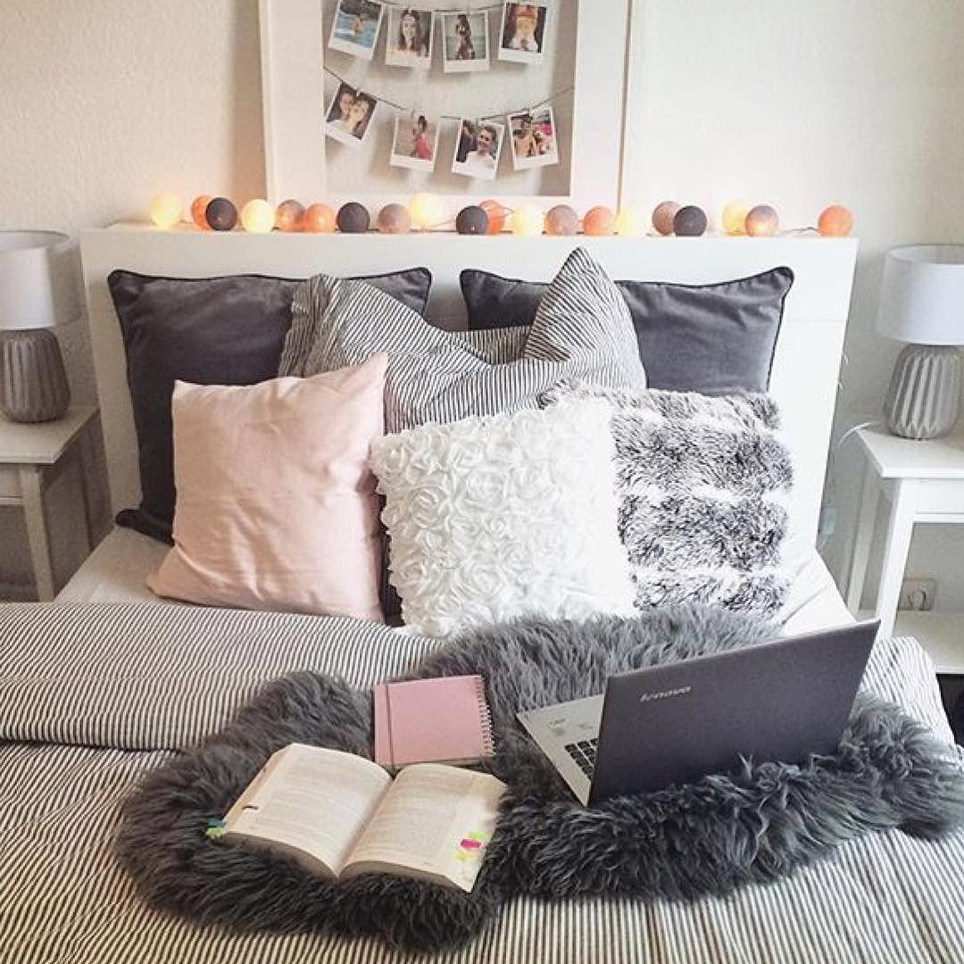es ist wochenende macht es euch gem tlich wie die liebe. Black Bedroom Furniture Sets. Home Design Ideas