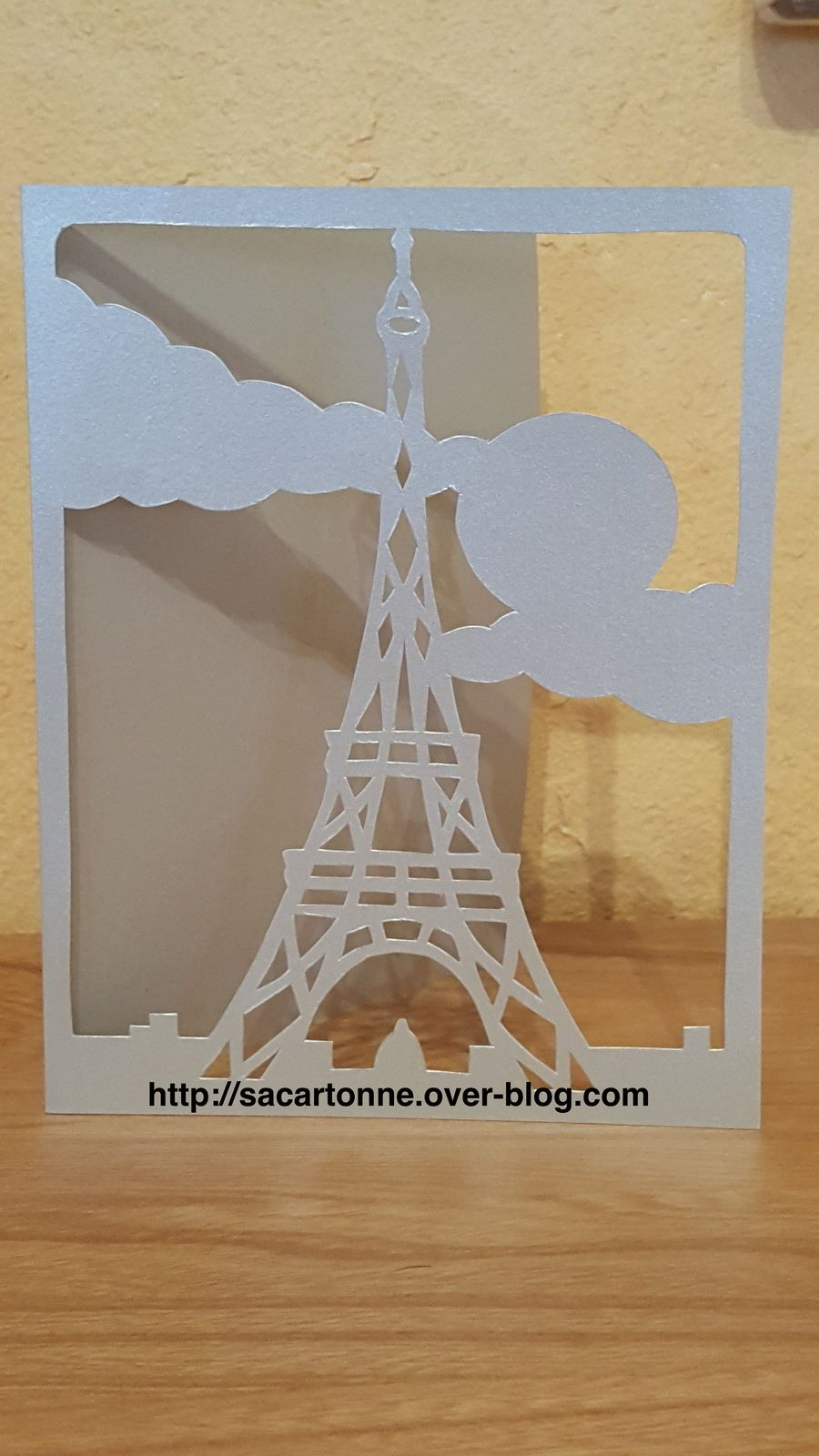 kirigami gratuit tour eiffel invitations pinterest kirigami silhouettes and origami. Black Bedroom Furniture Sets. Home Design Ideas