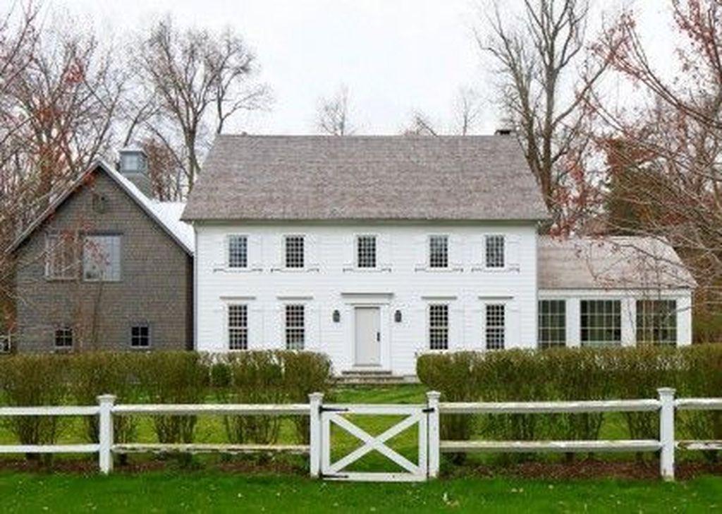 Stunning Colonial Farmhouse Exterior Design Ideas 21 Colonial House Exteriors House Exterior Farmhouse Exterior