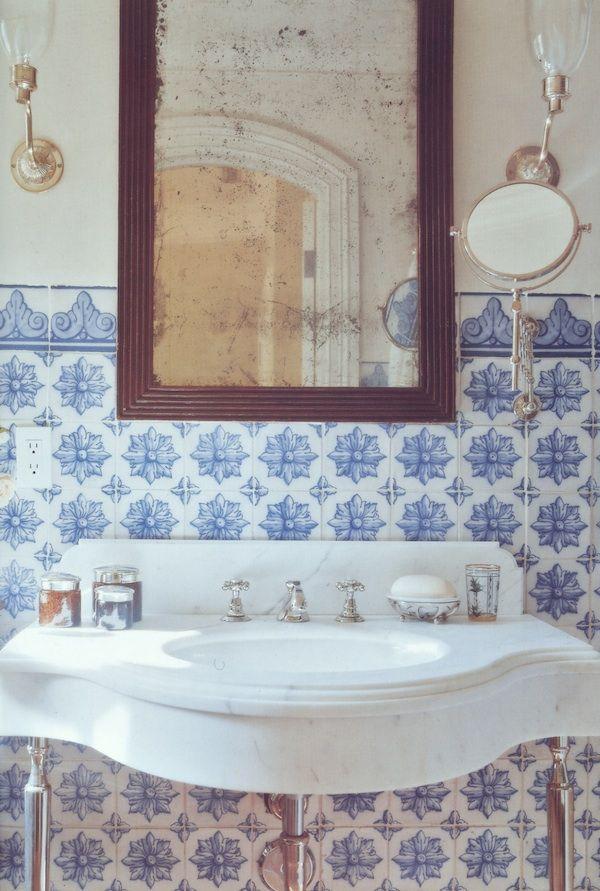 I Love The Blue White Glamorous Bathroom Bathroom