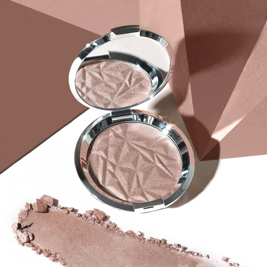 Shimmering Skin Perfector Pressed Highlighter Smoky Quartz Becca Beccaglow Highlights Becca Cosmetics Becca