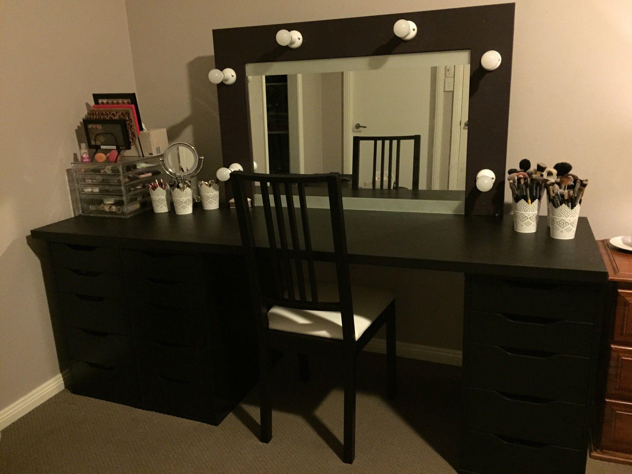 Large Makeup Vanity Google Search Bedroom Vanity With Lights