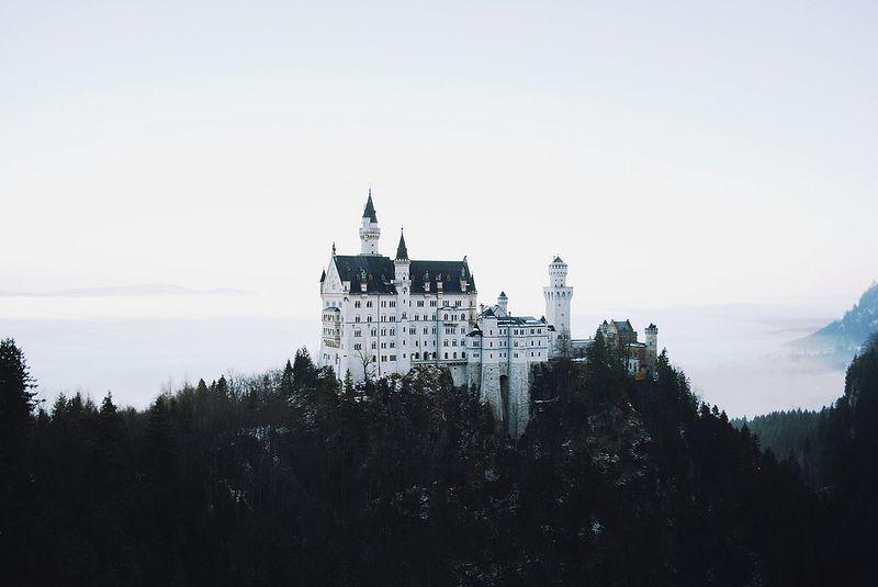 Schloss Neuschwanstein Neuschwanstein Castle Beautiful Castles Places To Go