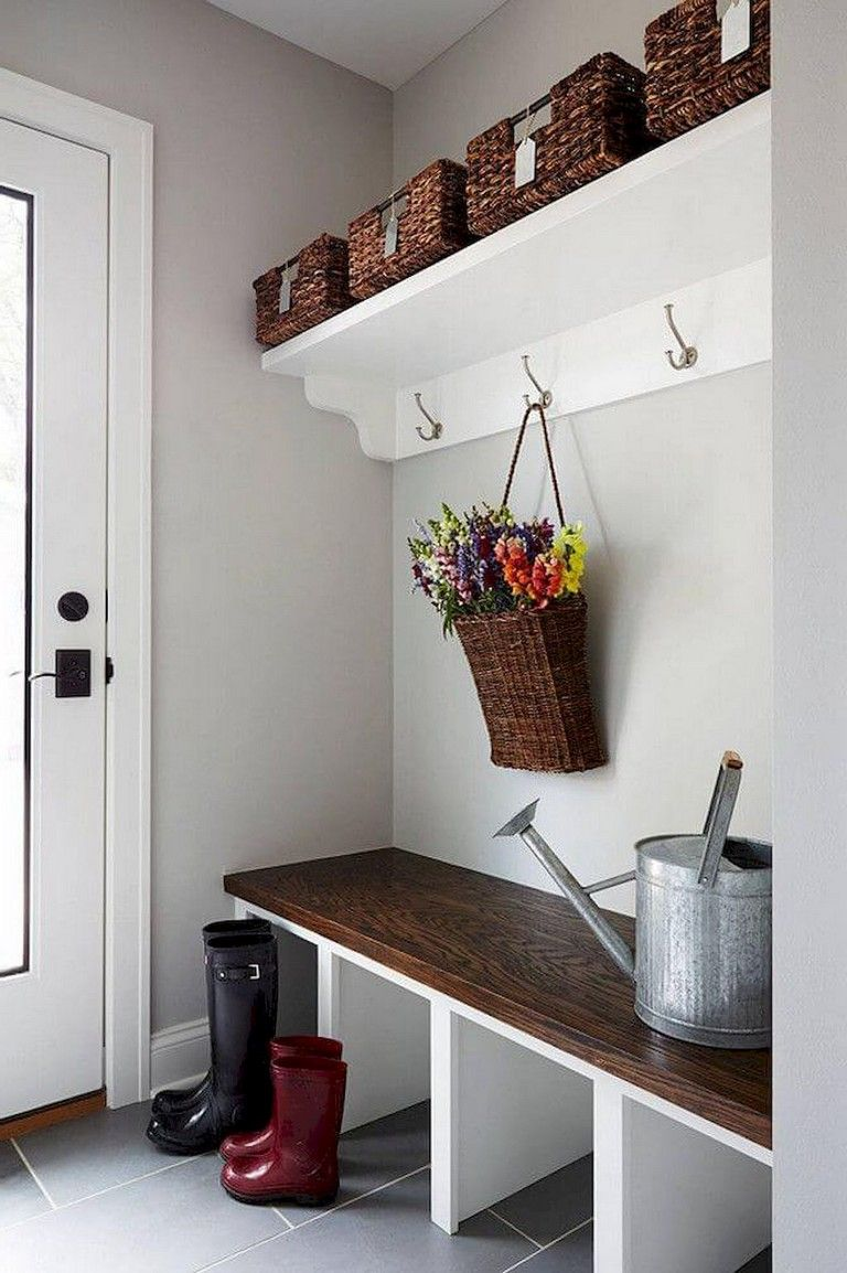 70+ Inspiring Modern Farmhouse Mudroom Entryway Ideas #entrywayideas