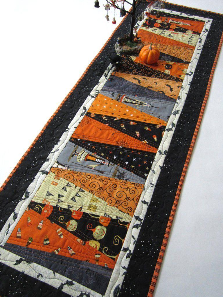 Halloween Table Runner Quilt Pattern : halloween, table, runner, quilt, pattern, Priscila, Gianni, Handmade, Quilts,, Table, Runners, Toppers, Quilted, Patterns,, Halloween, Runners,