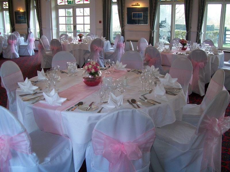 Baby Pink Wedding Table Runner (800×600)