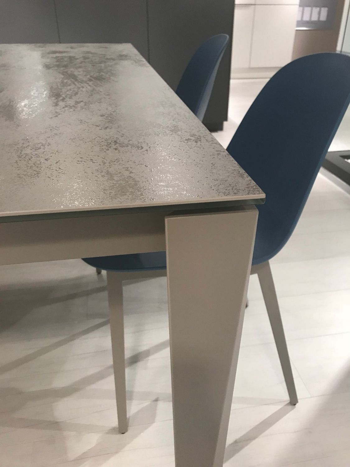 Tavoli Allungabili Moderni Outlet.Chef Bontempi Outlet Chef Is The Extensible Table Of The Bontempi Collection It S Design Is Modern The Line Is Defined E Dining Table Furnishings Table