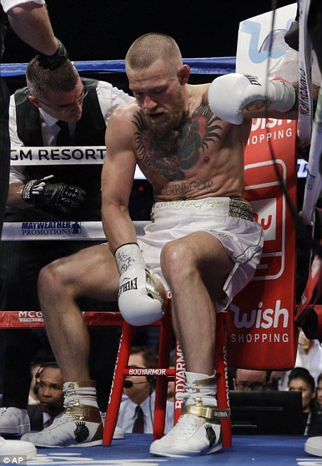 Floyd Mayweather Defeats Conor Mcgregor In The 10th Round Conor Mcgregor Mcgregor Boxing Ufc Conor Mcgregor