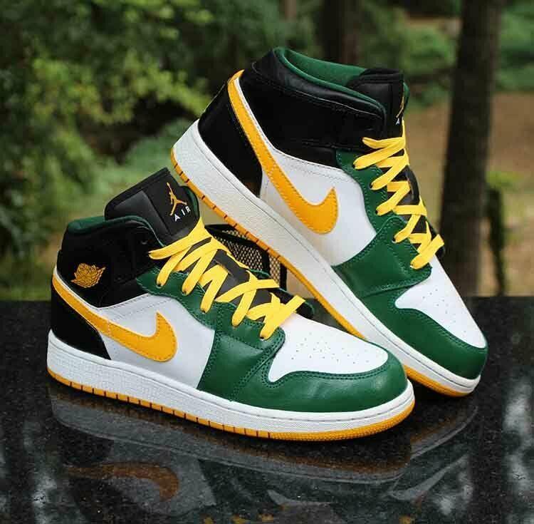 Nike Air Jordan 1 Retro Mid GS Size 7Y Sonics 554725-307 ...