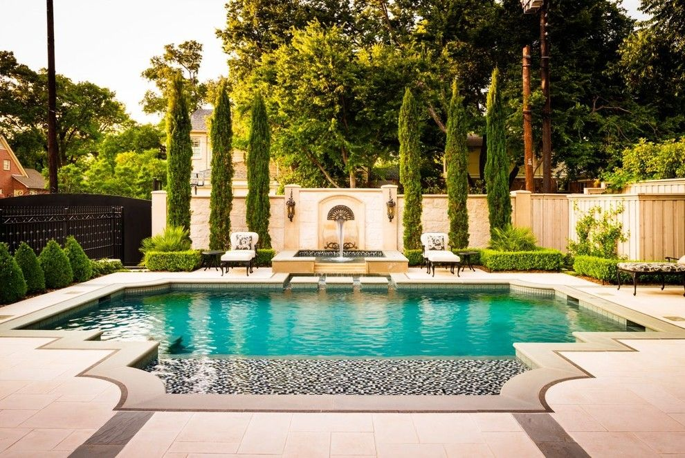 Decorating Around Your Swimming Pool Is An Easy Way To Refreshen Up Your Backyard Patio And Create Backyard Pool Swimming Pools Backyard Swimming Pool Designs