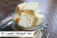 DIY Homemade Laundry Detergent Tabs - Pretty much the same recipe as the one I'm currently using (pinned to this board earlier), but it is sans oxyclean and adds some vinegar to pack into tablets. All in all, very interesting and I def want to try it for my next batch!