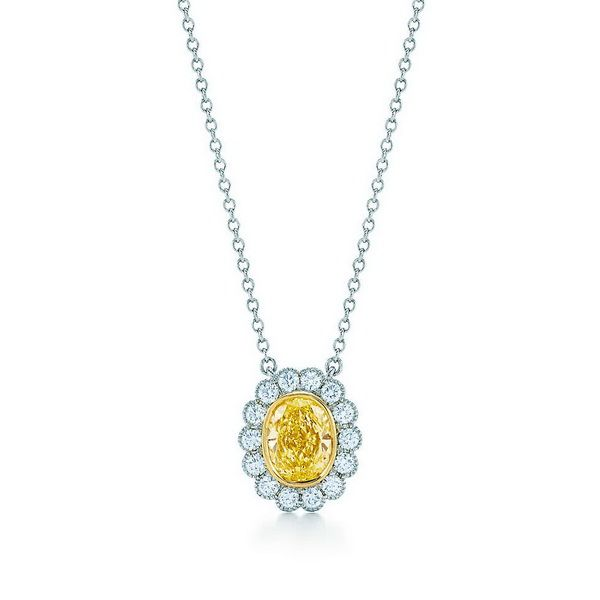The-Tiffany-Yellow-Diamond-Collection-has-Captured-the-Beauty-of-the-Sun_10