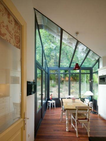 Petits espaces  Une véranda toute mignonne pour abriter une petite - cuisine dans veranda photo