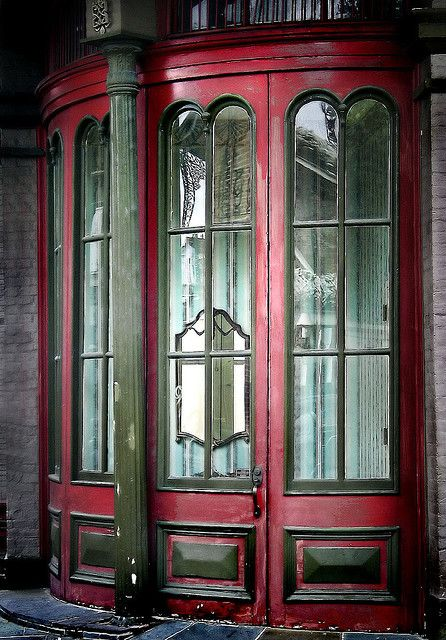 french quarter curved window