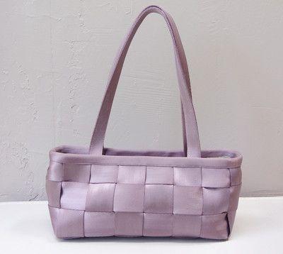 Harveys seatbelt bag in lavender http://cgi.ebay.com/ws/eBayISAPI.dll?ViewItem=251279871396#ht_551wt_1397