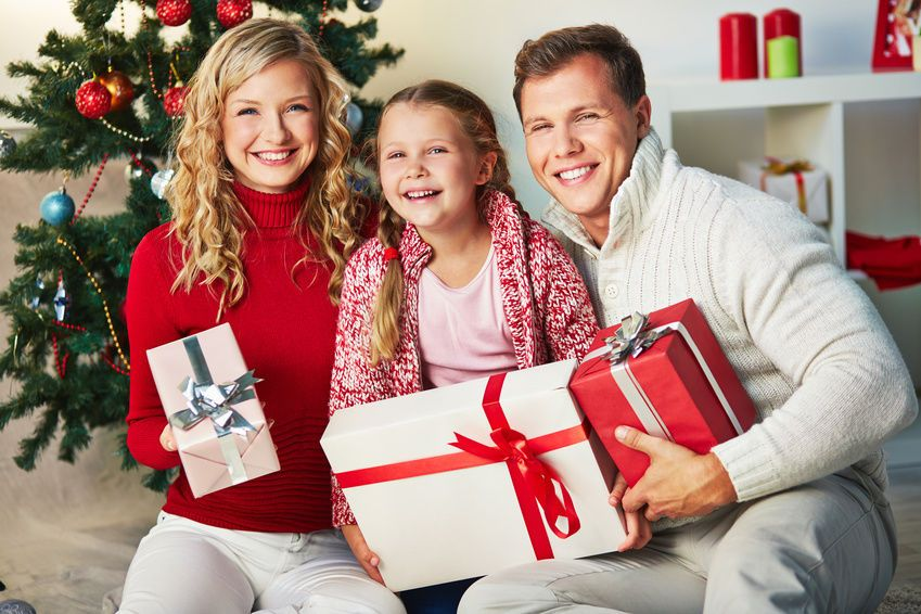 Family Photoshoot Ideas For Christmas