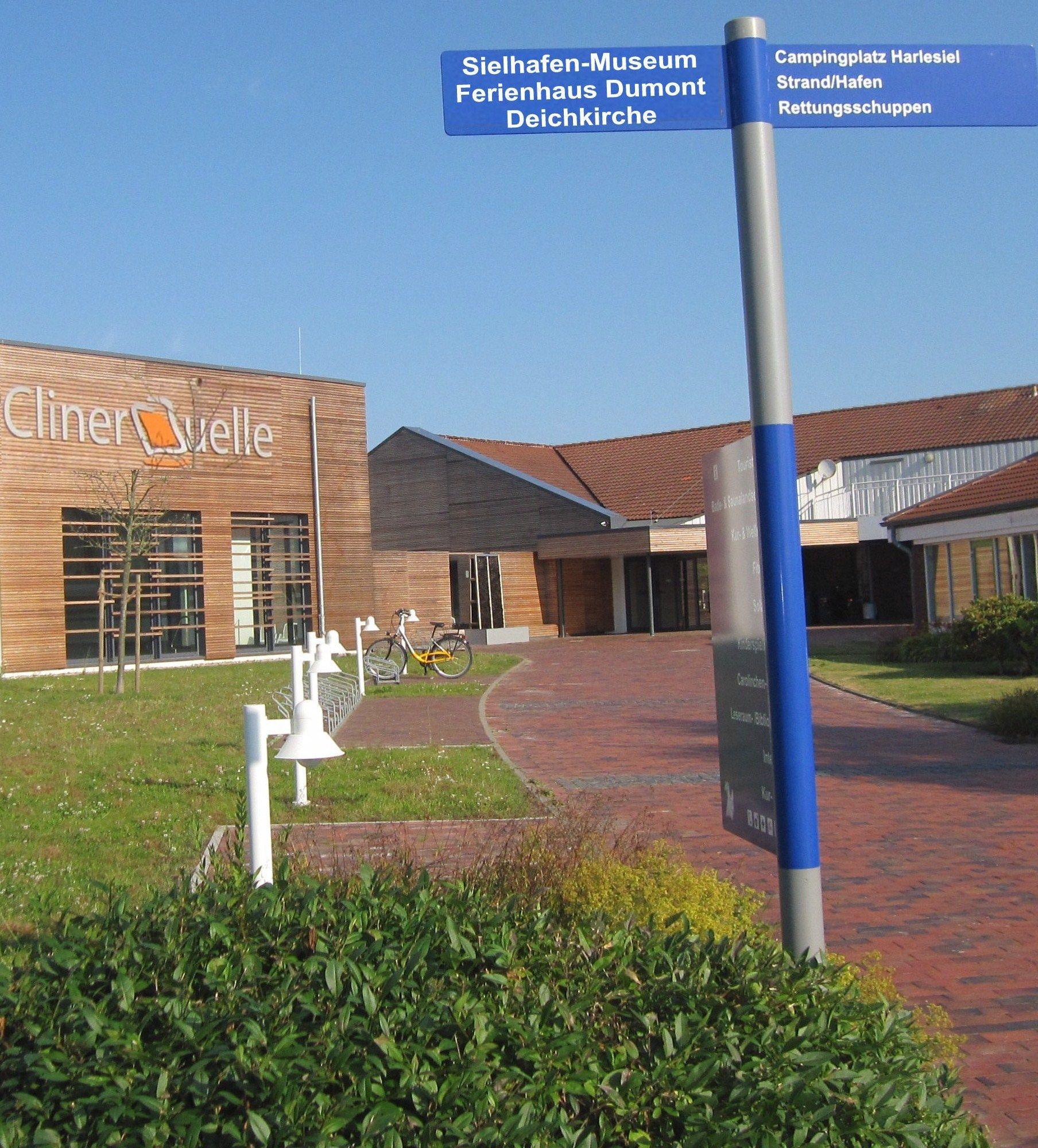 Schwimmbad Cliner Quelle in Carolinensiel | Reiseziele an ...