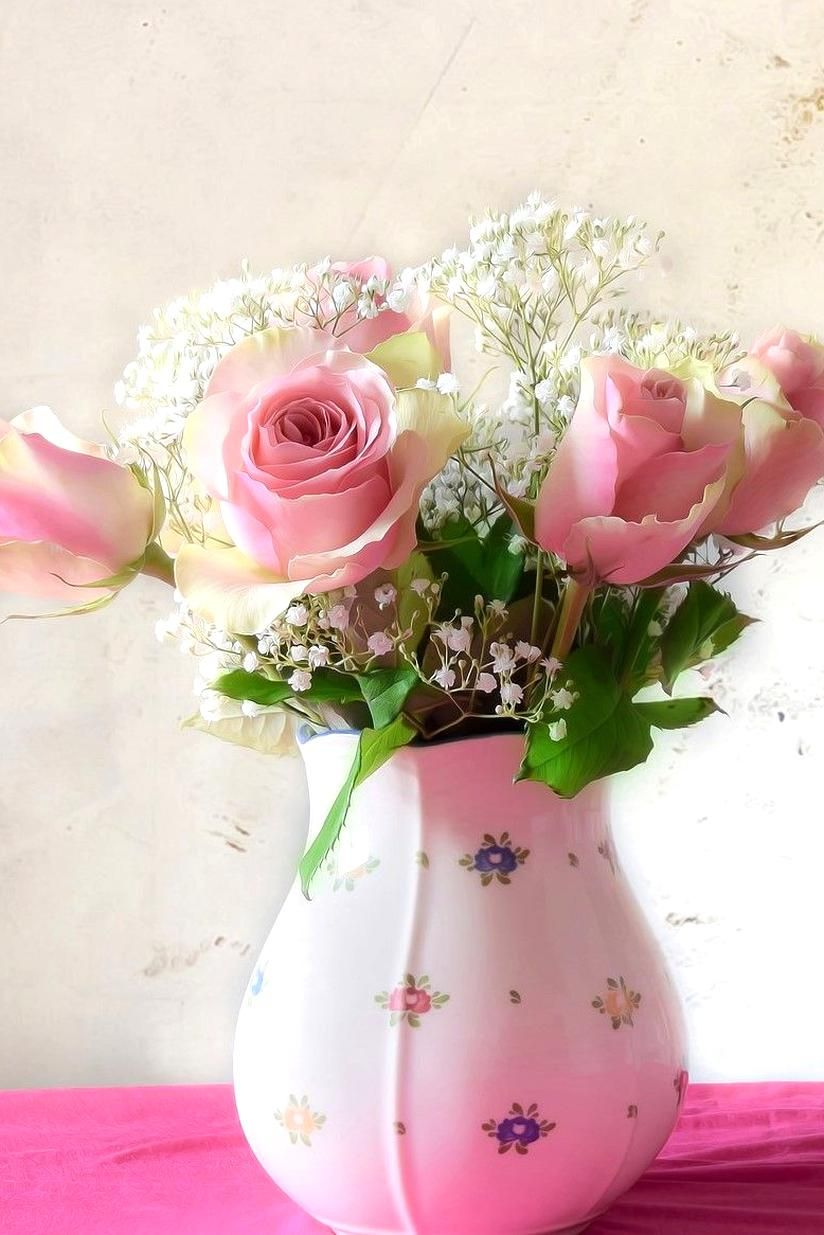 Beautiful and simple flower arrangements you could try at