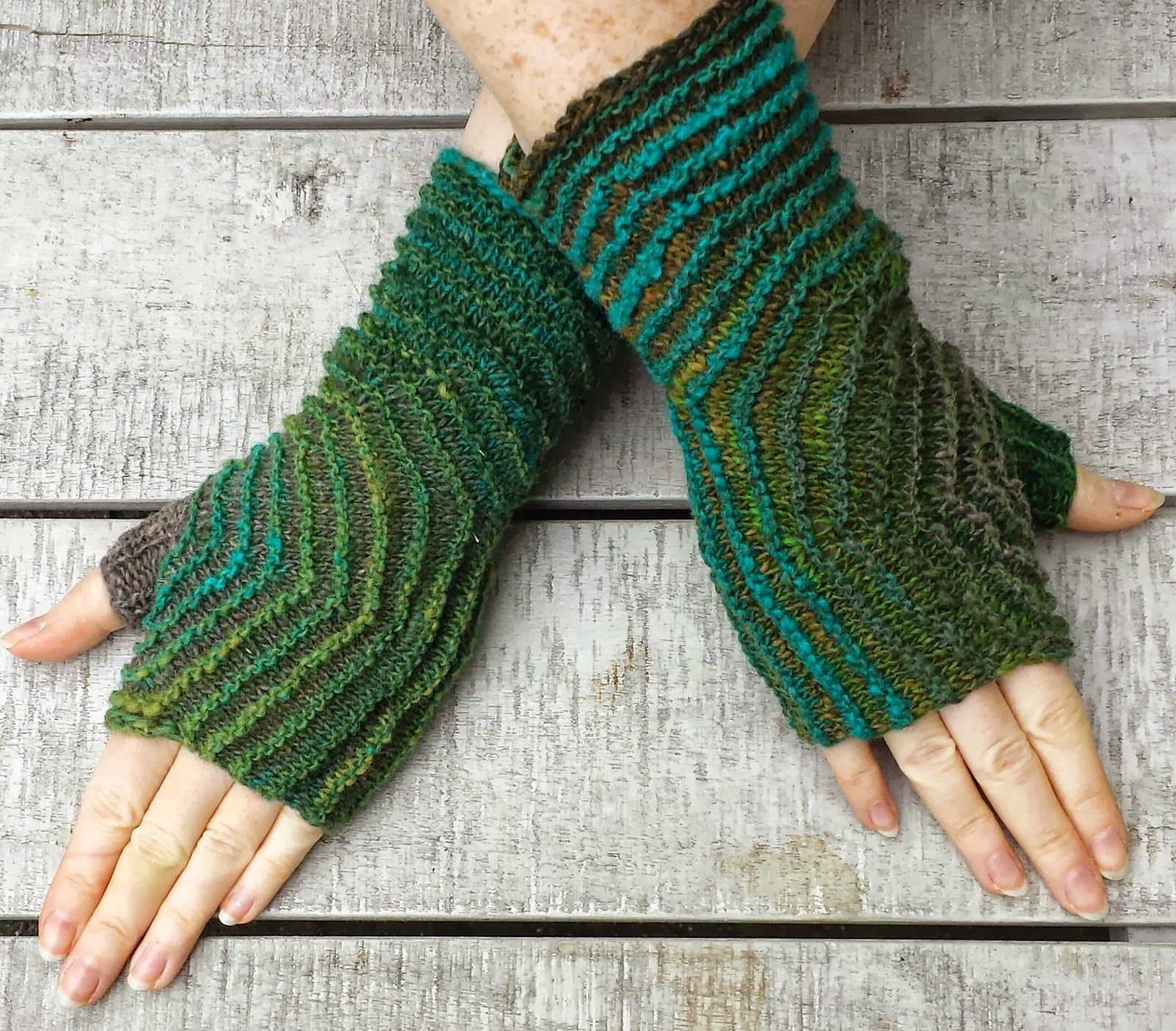 Freen Knitting Pattern: Hexagon Mitts | Crafting | Pinterest | Knit ...