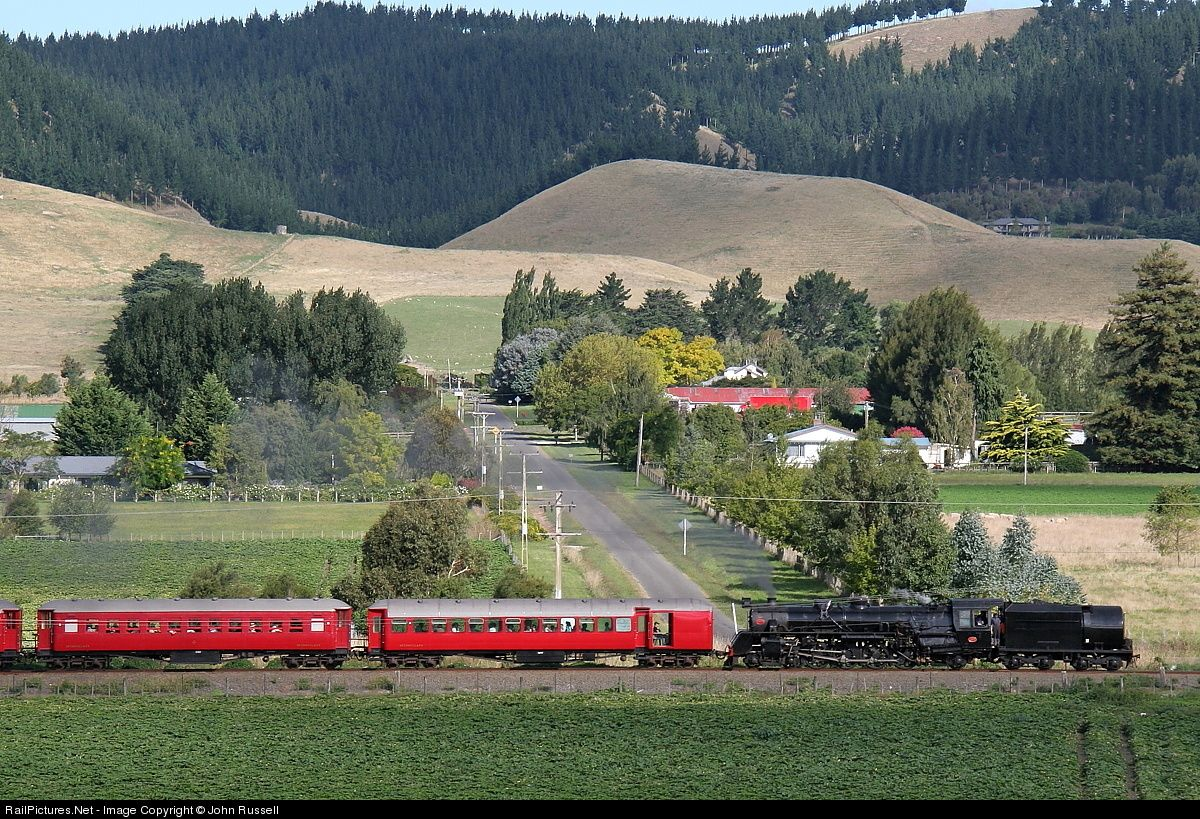 A steam trip for Hawkes Bay locals from Napier to Otane. An Art Deco Weekend event, it celebrates how Napier was rebuilt after the 1931 earthquake. Ja 1271 was built by NZR Hillside in mid 1950's.