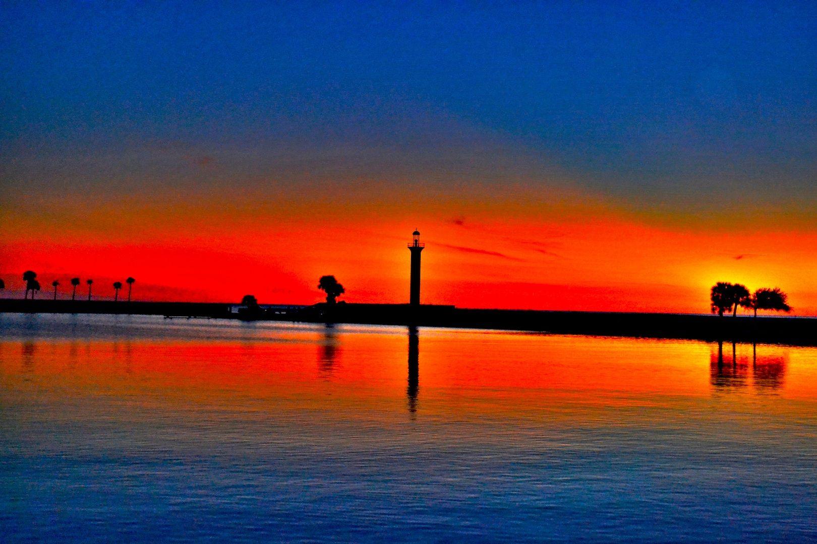 Biloxi Beach Old Light House At Sunset Biloxi Beach Biloxi Sunset