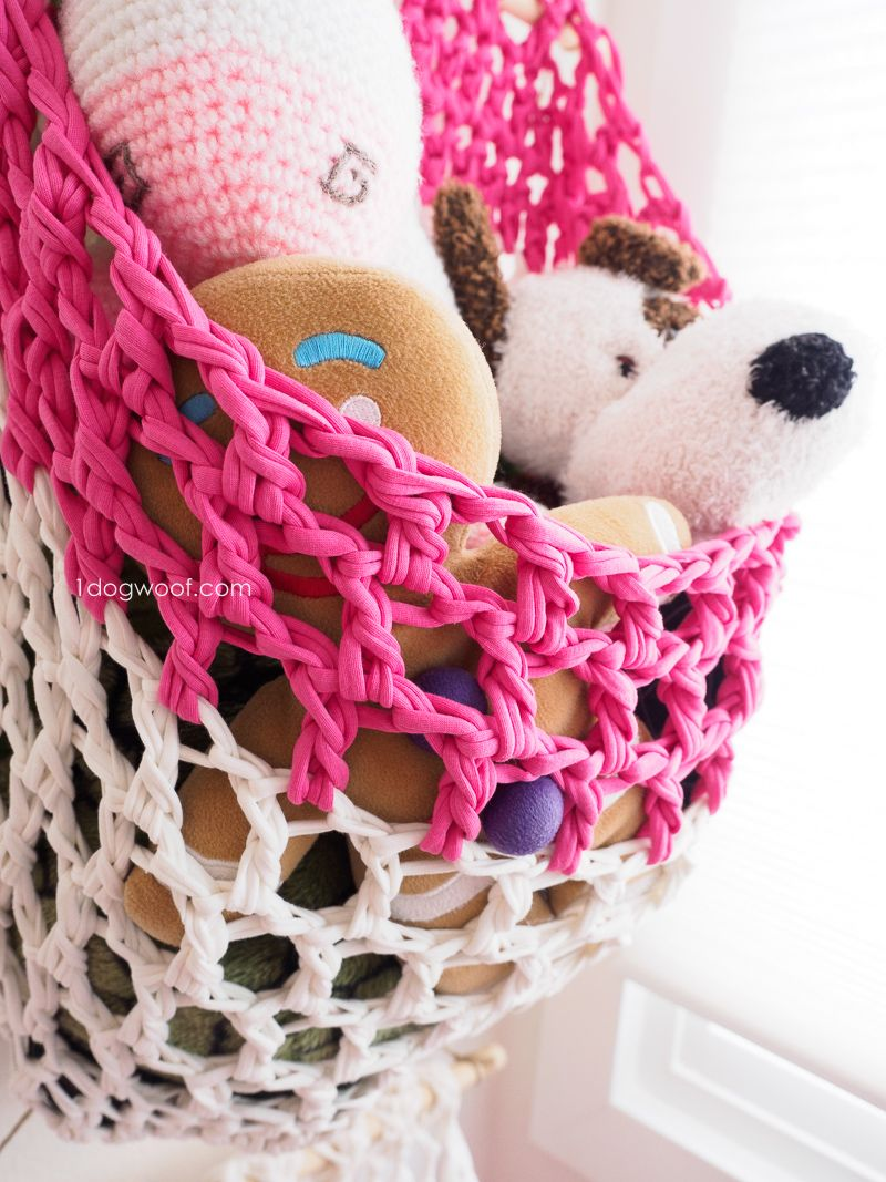 T-Shirt Yarn Hanging Basket Crochet Pattern | Fabric yarn, Yarns and ...
