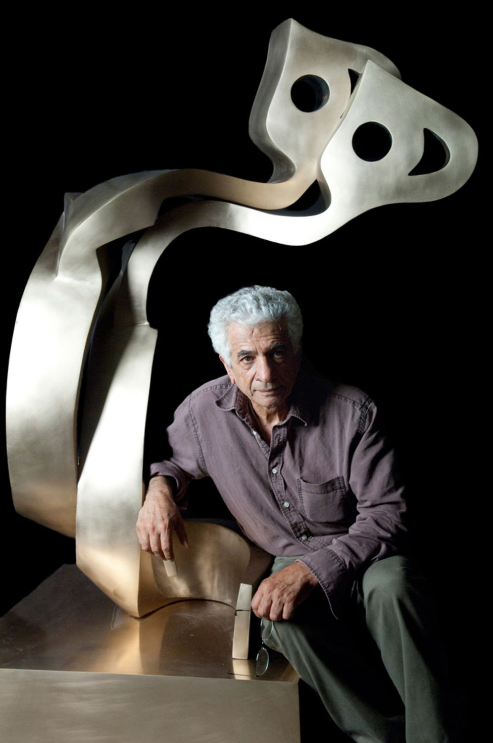 THE DAVIS MUSEUM AT WELLESLEY COLLEGE  PRESENTS THE FIRST U.S. SOLO MUSEUM EXHIBITION  of  IRANIAN ARTIST PARVIZ TANAVOLI