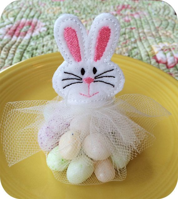 In The Hoop Bunny Favor Topper By Embroiderygarden On Etsy