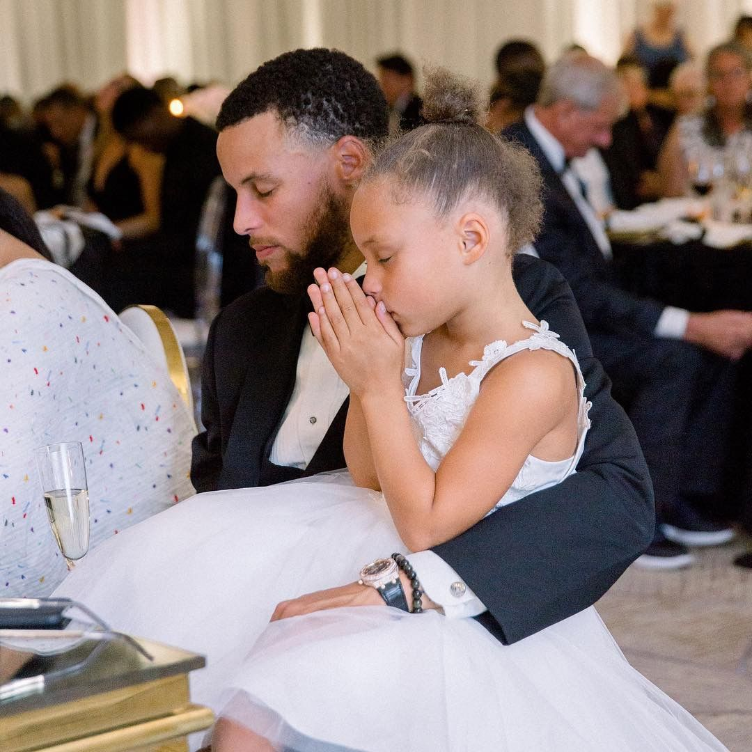 Throwback Of Steph Riley At His Sister S Wedding Stephen Curry Stephen Curry Family Stephen Curry Pictures