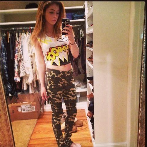 Image via We Heart It https://weheartit.com/entry/75482216/via/20605912 #blonde #cute #outfit #pretty #selfie #chrissycostanza