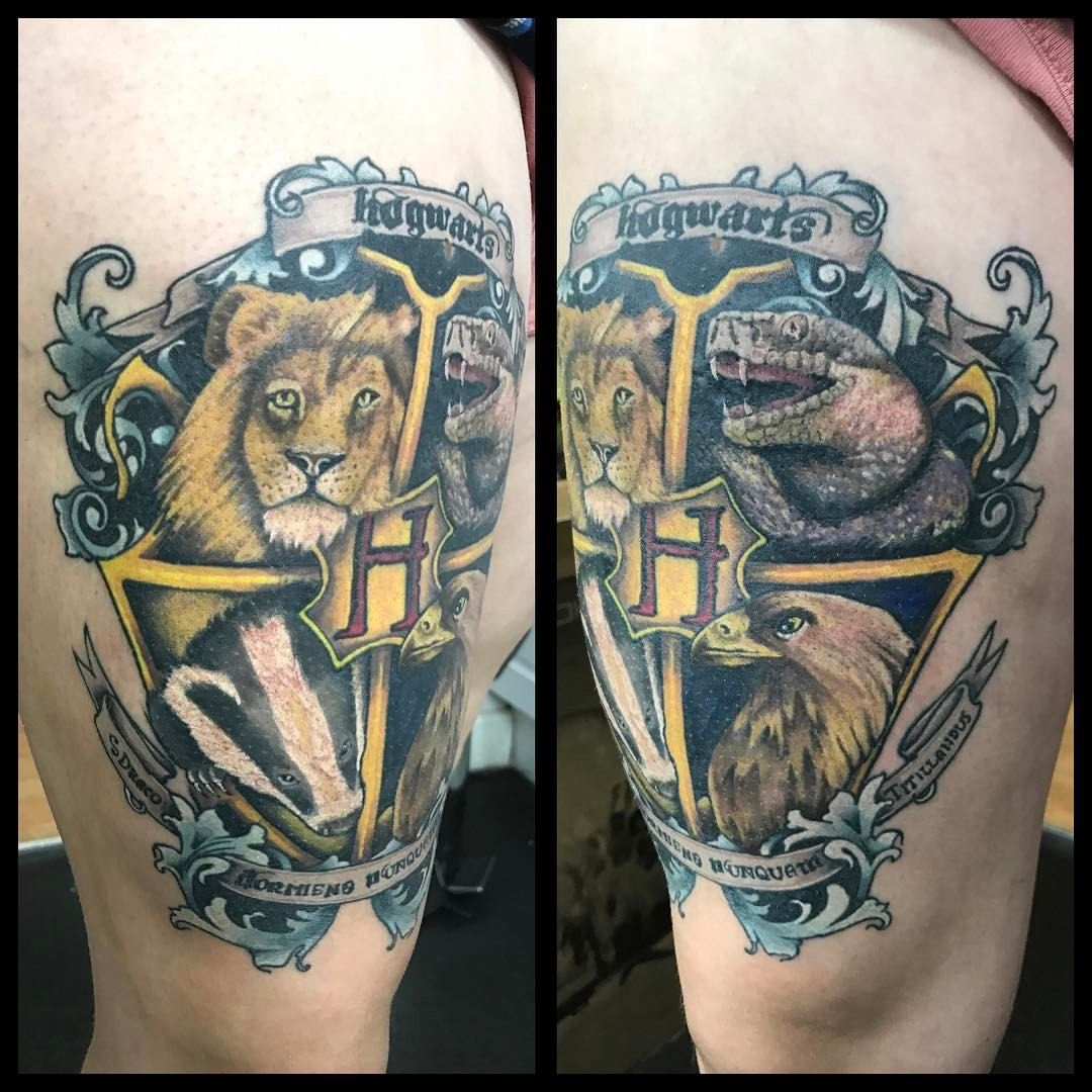 my new thigh harry potter tattoo hogwarts crest aynjjalchaos cosmictattoouk hufflepuff. Black Bedroom Furniture Sets. Home Design Ideas