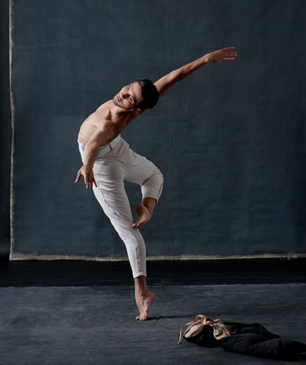 National Ballet of Canada corps dancerFrancesco Gabriele Frola, second soloistBrendan Saye and corps memberAsiel Rivero.© Sian Richards. I almost fainted scrolling through this
