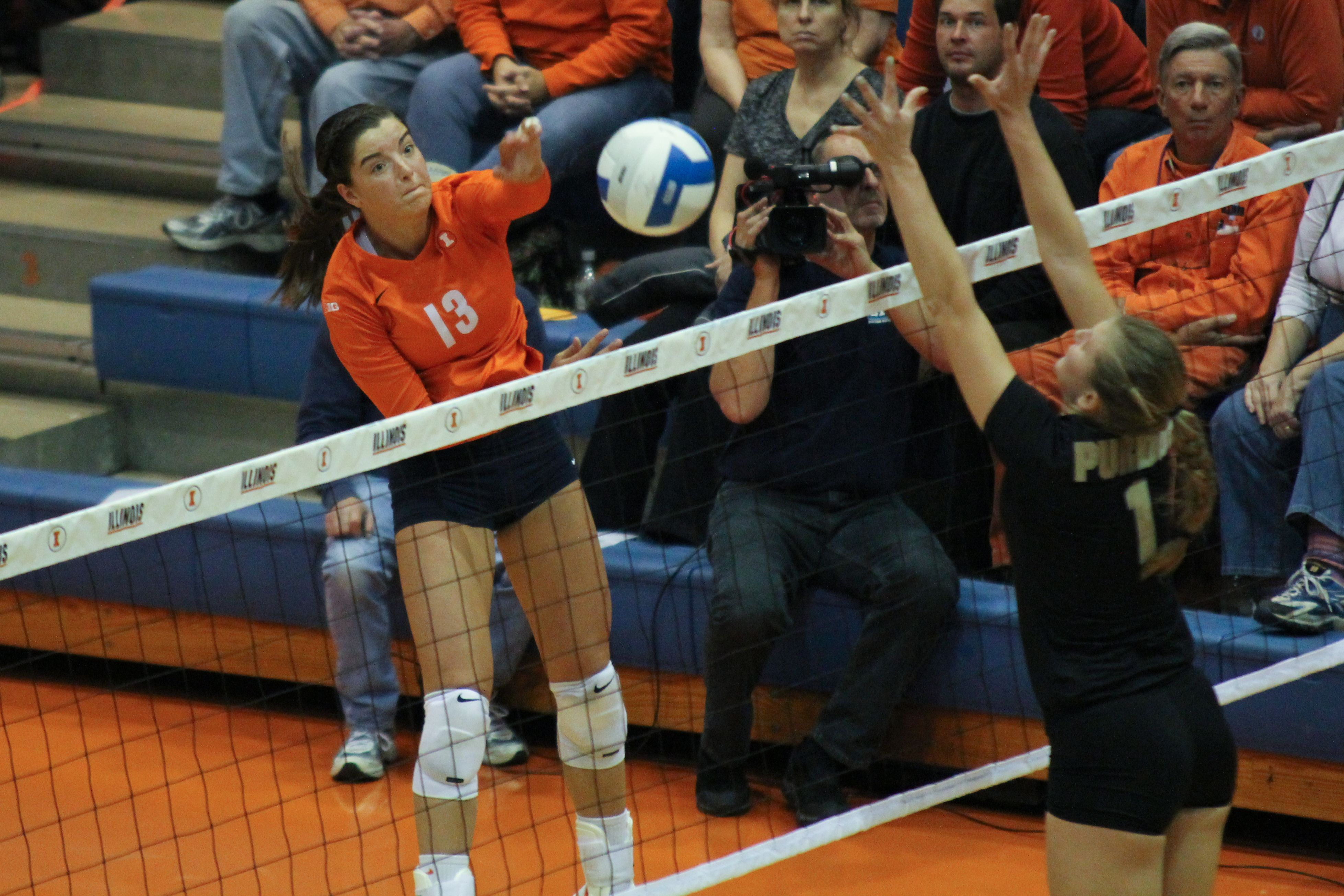 By Brenton Tse The Daily Illini Ali Stark 13 Spikes The Ball Across The Net During The Fighting Illini S 5 Set Loss To Purdue Women Volleyball Illinois Fighting Illini Volleyball