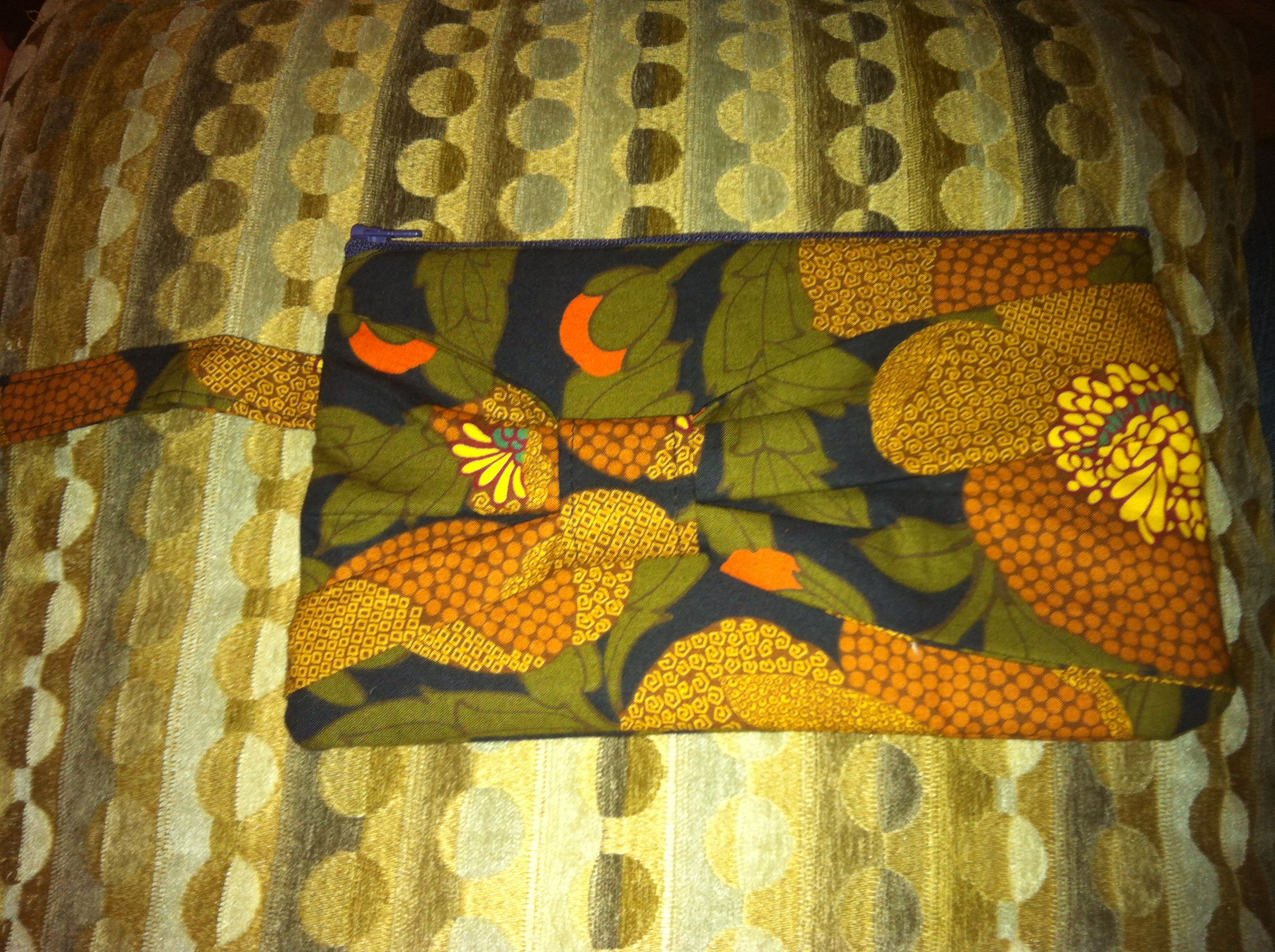 Shannon can make this hand bag for you in many different fabrics! Inquire here for orders! $25