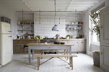 cuisine grise ambiance maison campagne avec carrelage blanc ...