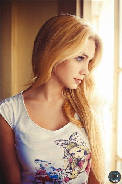 Does cute blonde sexy girls good topic