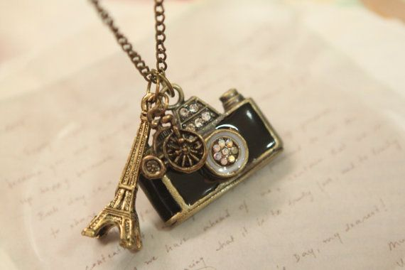 so cute <3 two of my most fave things! Paris <3 & Photography <3