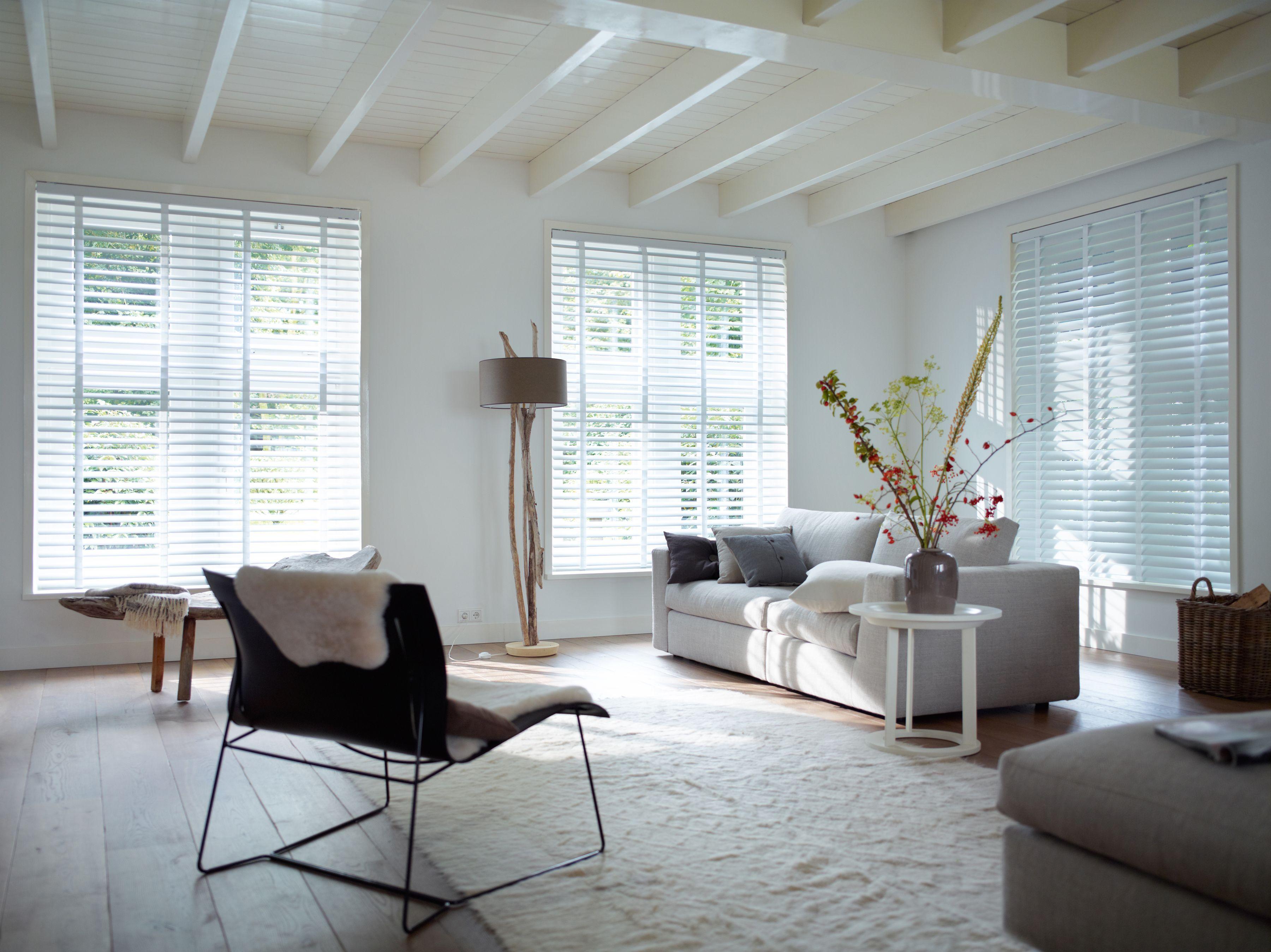 Stunning white venetian blinds at apolloblinds