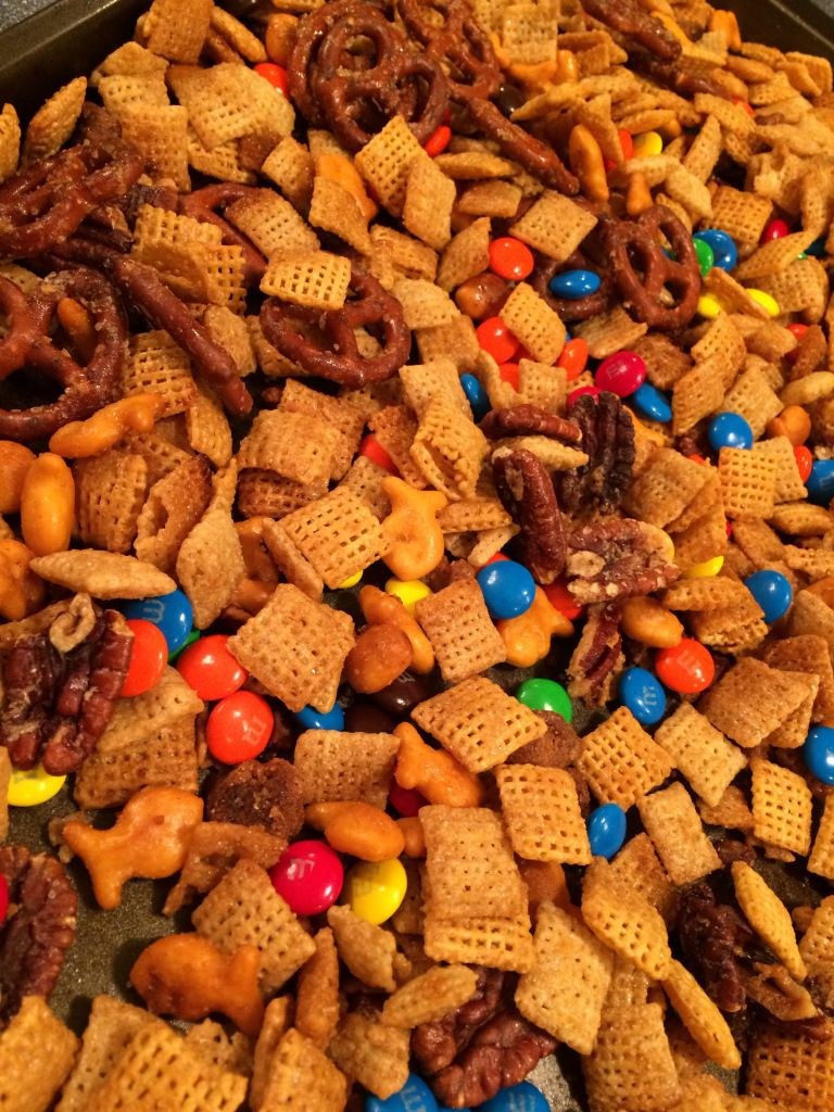 Fall Snack Mix Fall snacks, Fall snack mixes, Sweet