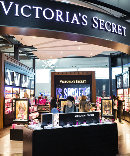 Two women are suing Victoria's Secret for being treated like criminals.