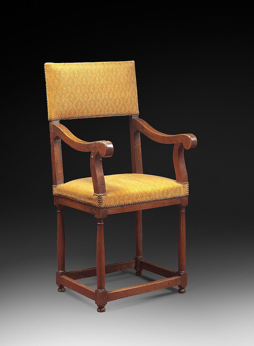 Antiquites Moyen Age Et Mobilier Renaissance Armchair Decor Furniture
