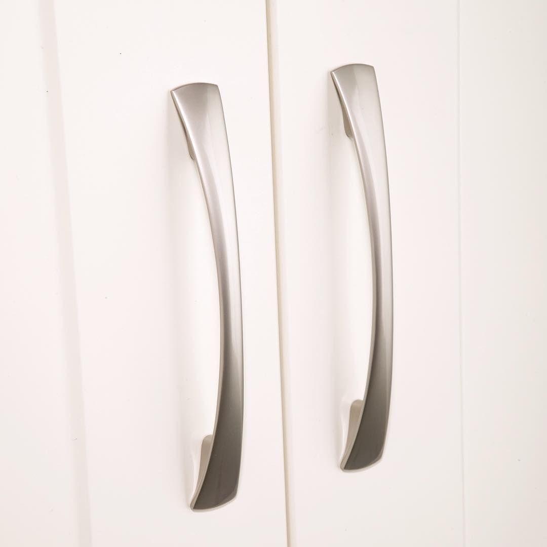 Kitchen Design Handles waisted flat bow handle - ftd380 #carlislebrass #locksandhardware