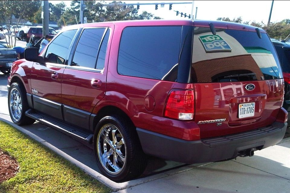 red 2004 ford expedion on 22 2004 Ford Expedition Texas