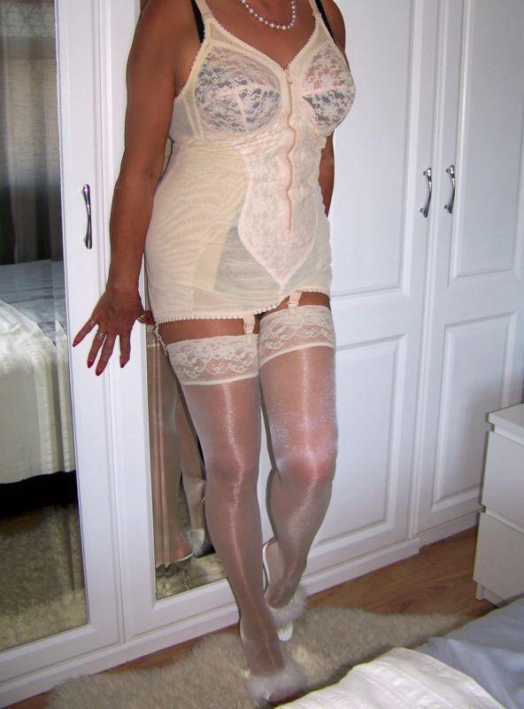 $_3.JPG (592×800) | Dresses, Two piece skirt set, Bodycon