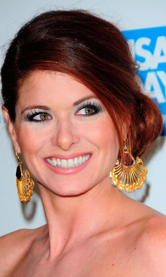 Perfect Red Debra Messing One Day I Want To Look Likeelegant