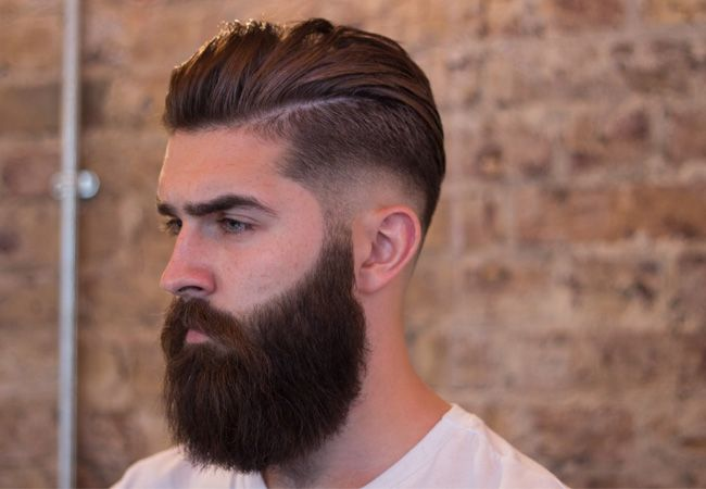Corte de pelo largo desvanecido