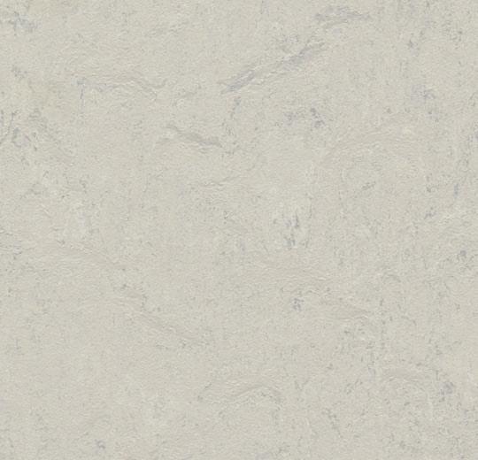 Keittiön lattia marmoleum click